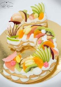 Number cake fruits frais